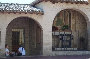 czekajac na otwarcie sanktuarium
